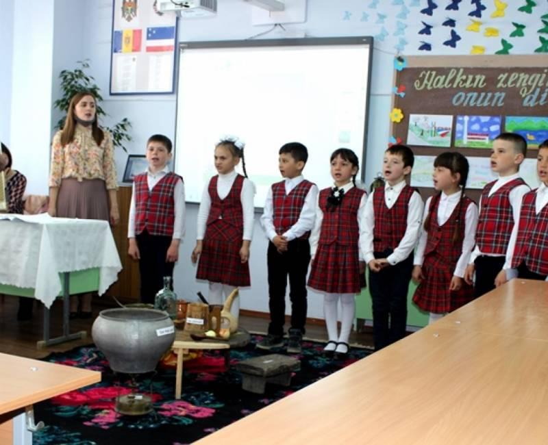 Açık ders Kotovskiy gimnaziyasında: «Halkın zenginnii – onun dili»